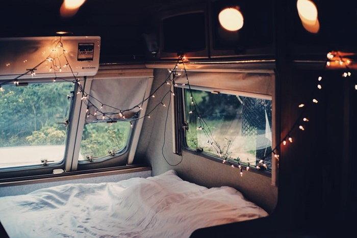 ท่องเที่ยว นอนในรถ