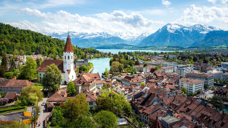 """แนะนำสถานที่ท่องเที่ยวบรรยากาศดีที่ """"สวิตเซอร์แลนด์"""" เมืองในฝันของหลายๆคน"""