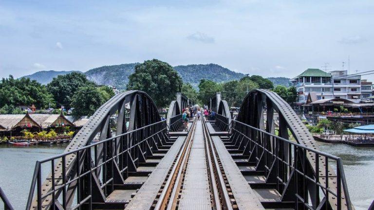 """""""สะพานข้ามแม่น้ำแคว"""" ที่เที่ยวอีกแห่งหนึ่งที่ทำให้คุณนึกถึงประวัติศาสตร์"""