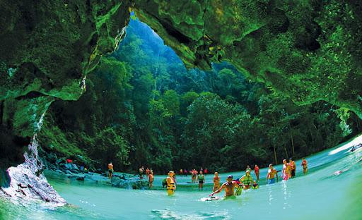 ถ้ำมรกตแห่งเกาะมุก แหล่งท่องเที่ยวแบบ unseen ที่ต้องไปเยือนสักครั้ง