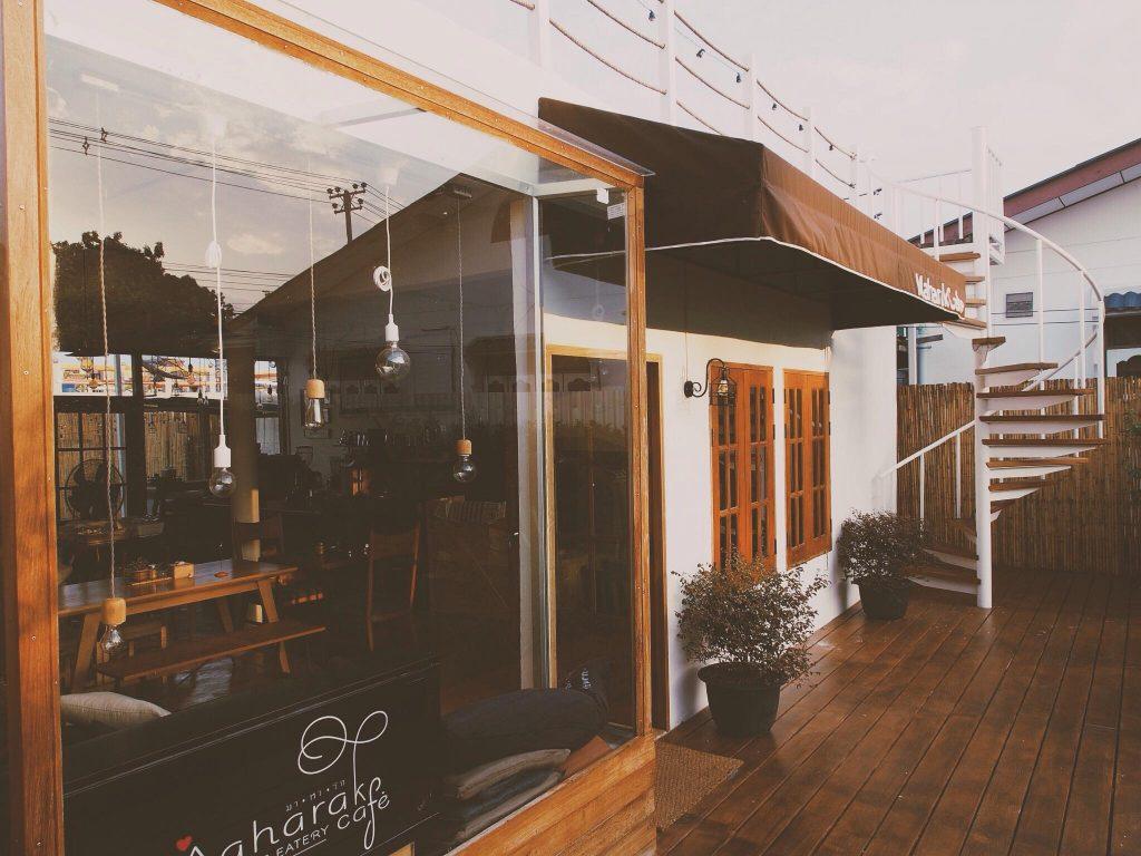 มาหารัก คาเฟ่ ร้านที่ออบแบบแนวมินิมอลที่บรรยากาศชิลล์